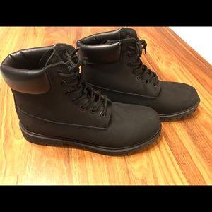 Men's Mountain boot size 9